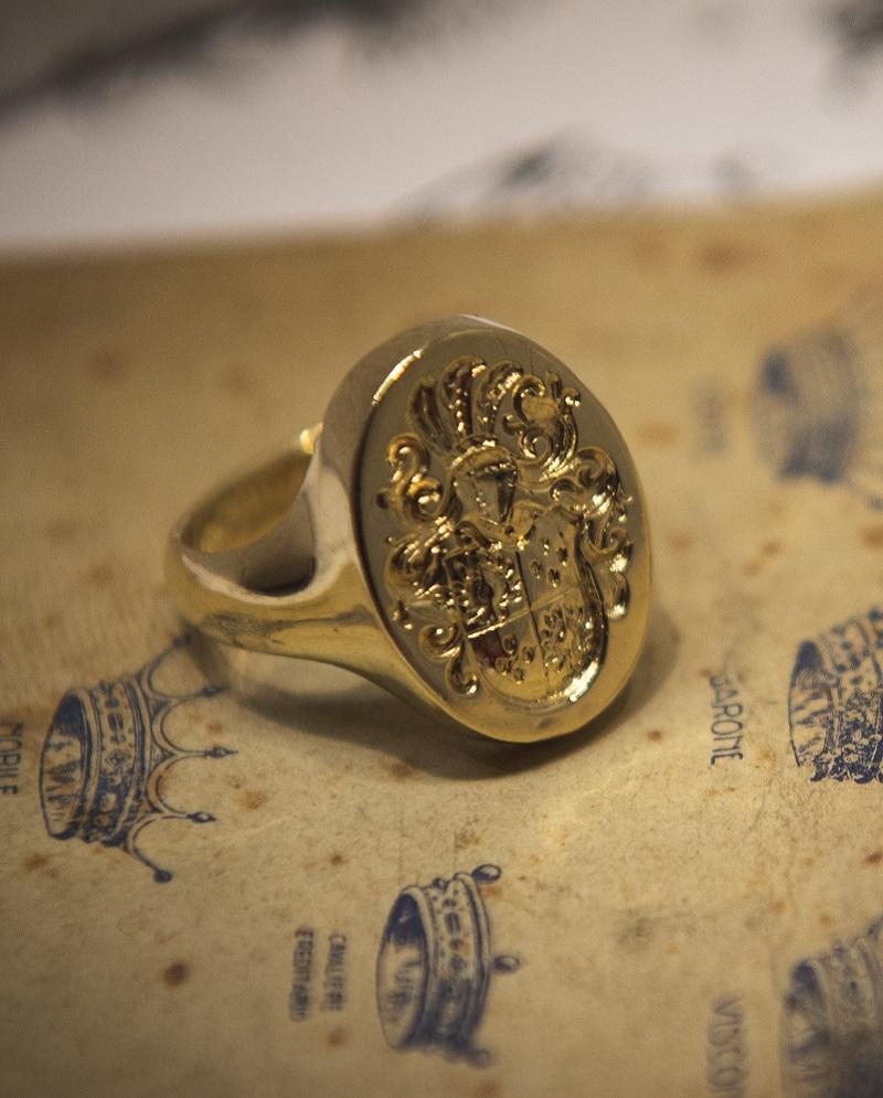 Anello a sigillo in oro
