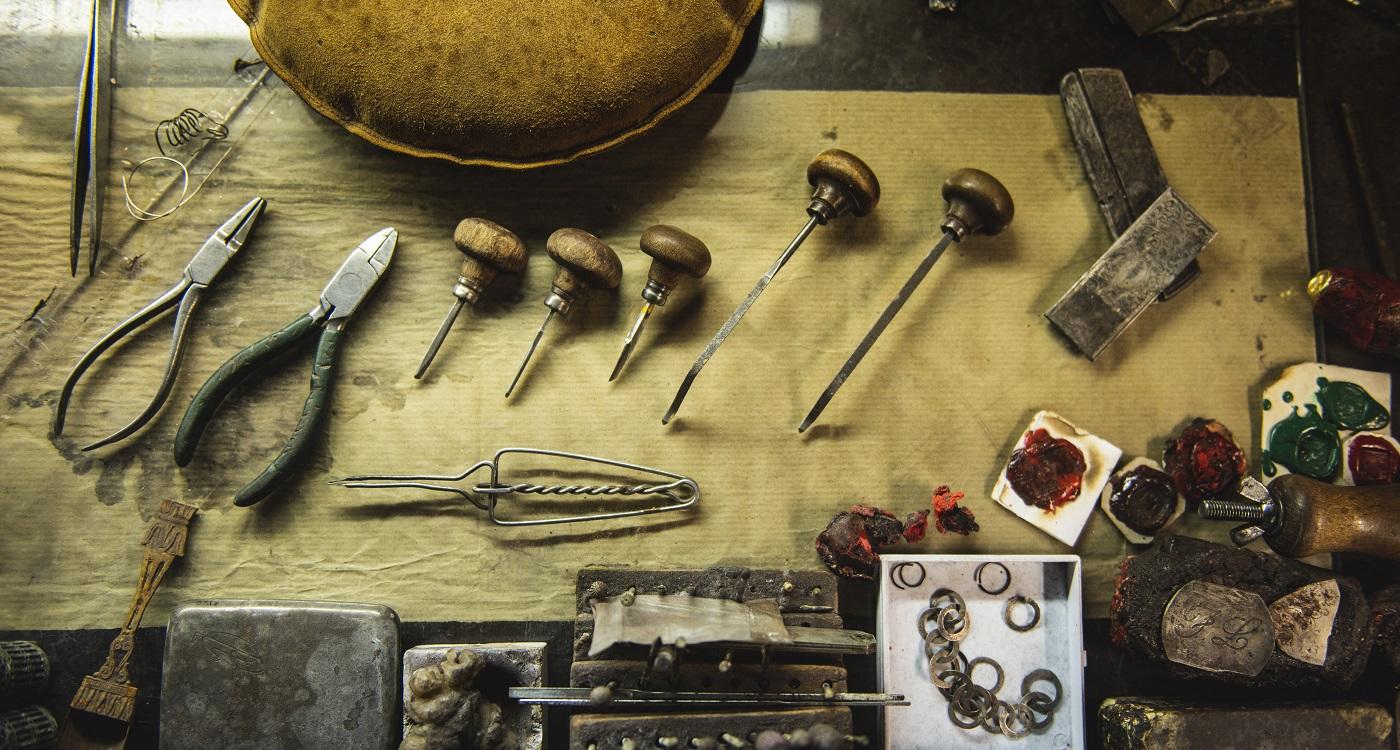 Gli strumenti di lavoro della Bottega Orafa Nedi di Firenze