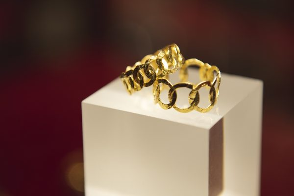 Nerdi Orafi Incisori -Anelli a cerchi in oro giallo 18 carati - Collezione martellata